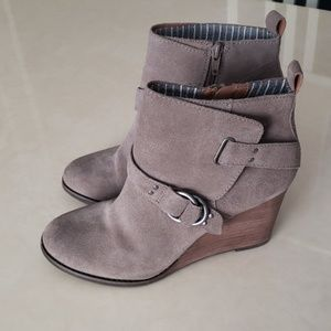 Lucky Brand suede leather wedge booties 8